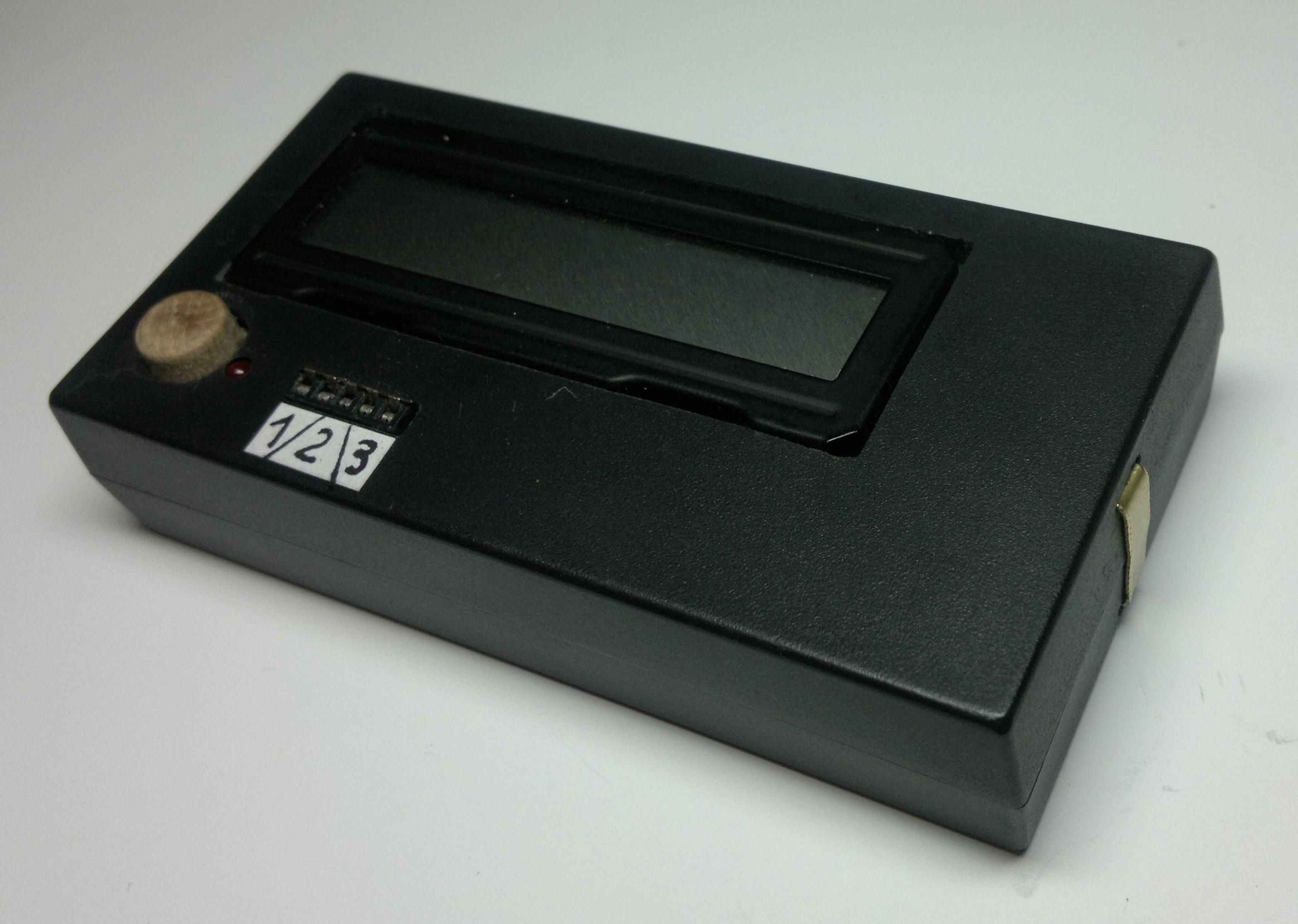 Mikroprocesorowy tester element�w elektronicznych