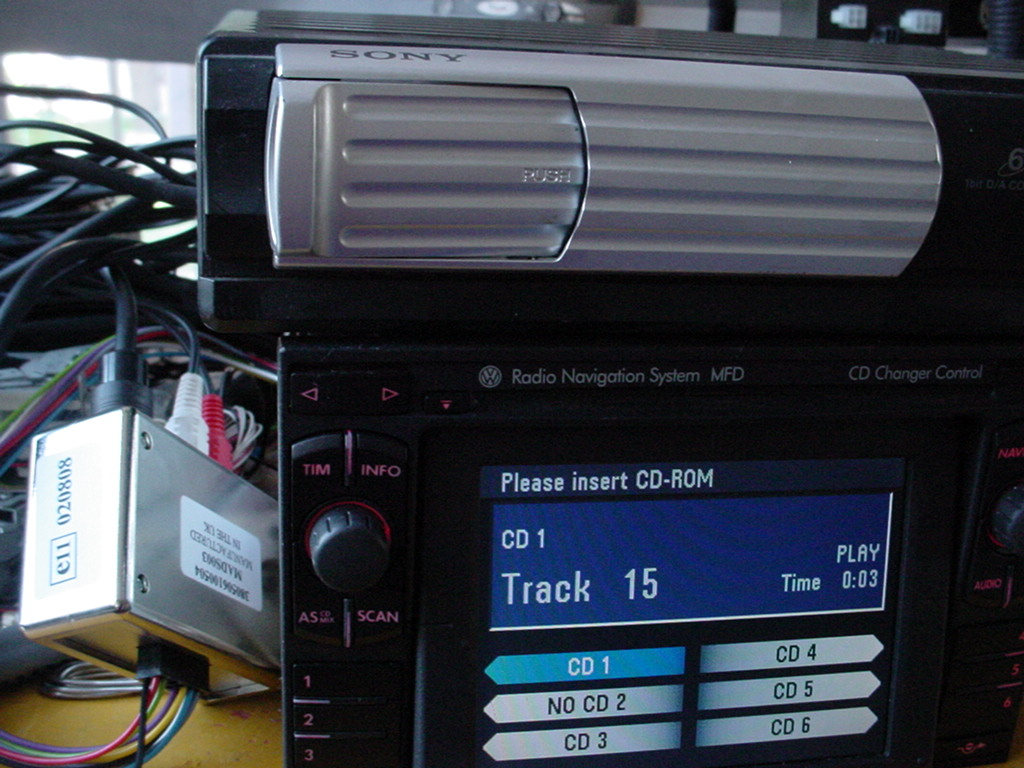 Navi MFD a zmieniarka. Zmieniarka do MFD odtwarzająca płyty mp3.