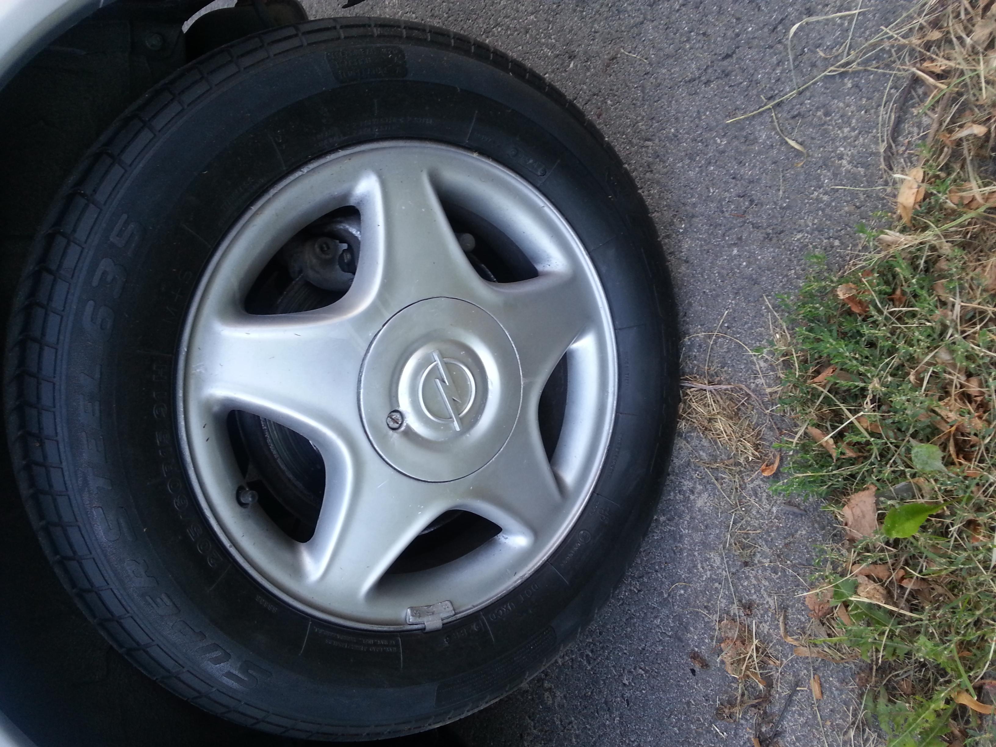 [Kupi�] Dekielek alufelgi Opel Astra G.