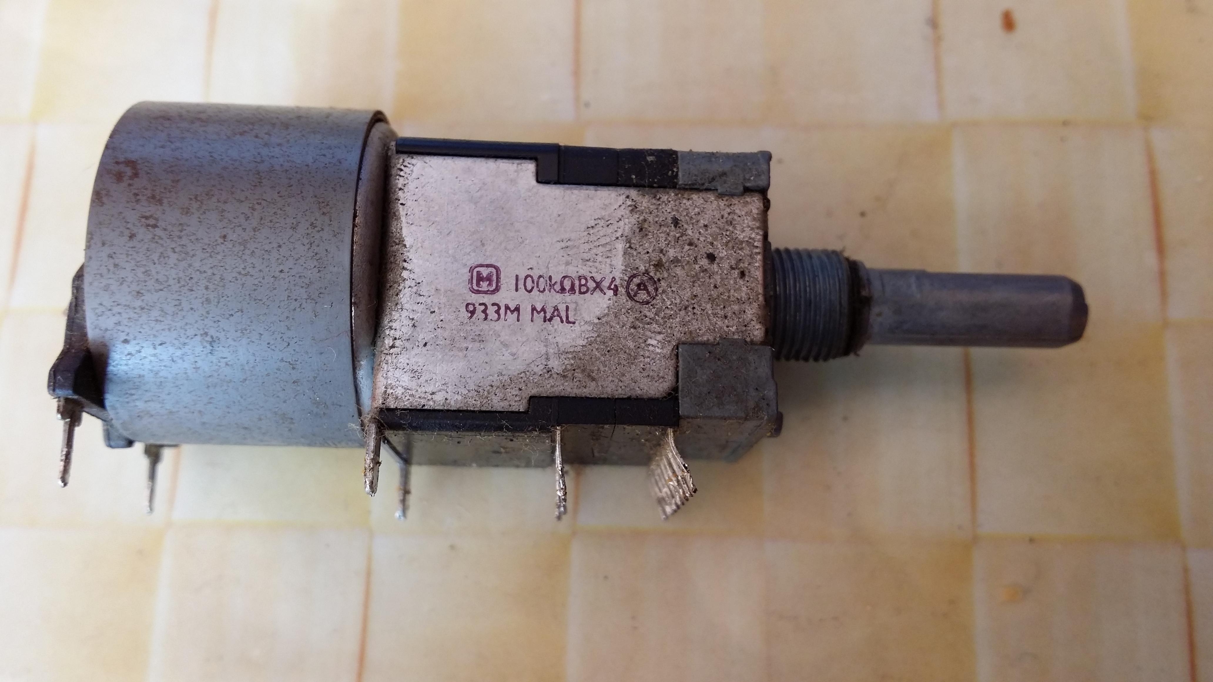 [Kupi�] Potencjometr do amplitunera Technics SA-EX320 (4x100k)