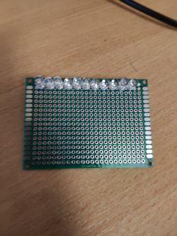 Łączenie diod UV na płytce uniwersalnej PCB