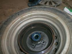 Opel Corsa B - Hamulec tył, głośno hamuje.