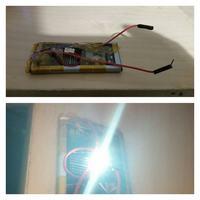 Dioda LED z telefonu jako oświetlenie.