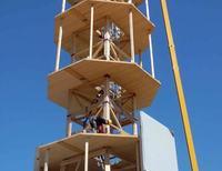 Niemiecka firma wprowadzi elektrownie wiatrowe z drewna