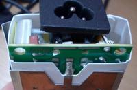 Zasilacz Li Shin 0317A19135 - Zasilacz laptopa nie ładuje, spalony bezpiecznik?