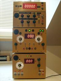 Podwójno - symetryczny zasilacz laboratoryjny 0-30V 0,01-4A