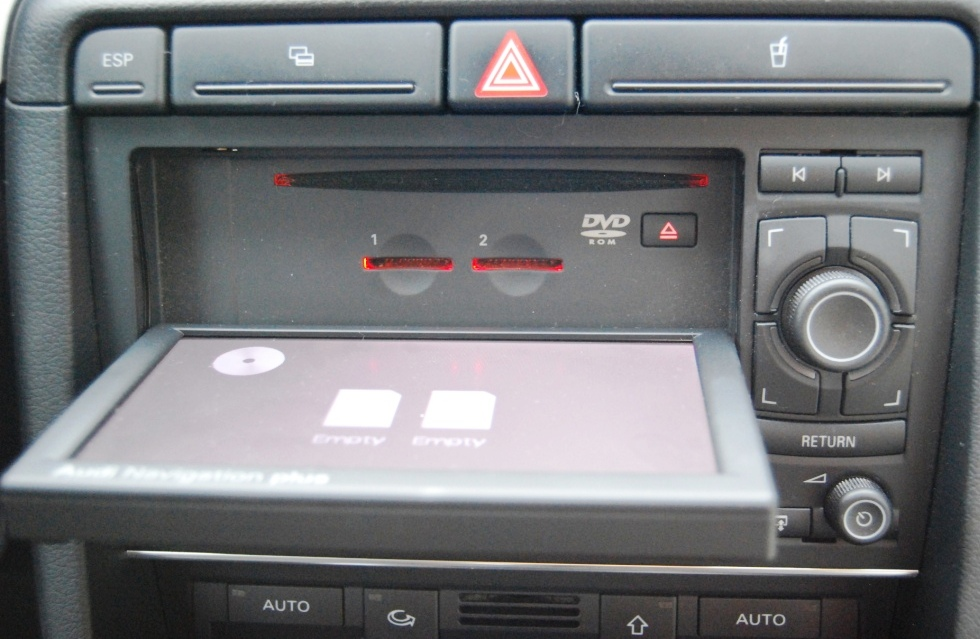 audi navigation plus radio z navigacj w audi a4 b7 2006. Black Bedroom Furniture Sets. Home Design Ideas