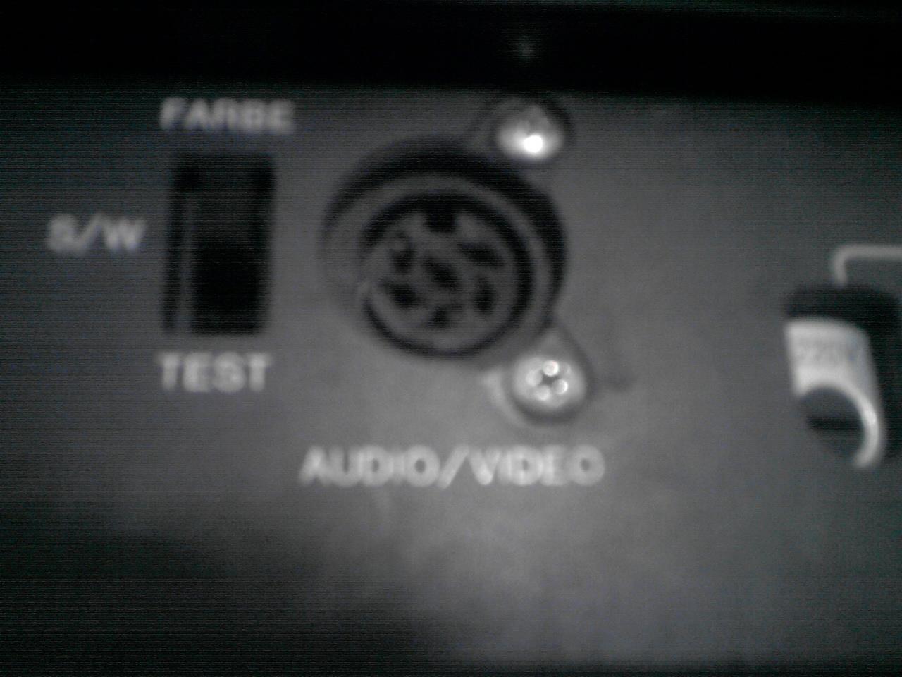 Jak pod��czy� magnetowid Telefunken VRV620 do telewizora?
