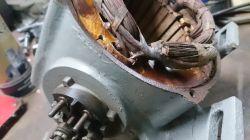 Silnik jednofazowy, mała moc przy rozruchu.