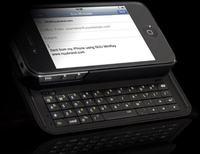 NUU MiniKey obudowa z wysuwan� klawiatur� dla iPhone 4