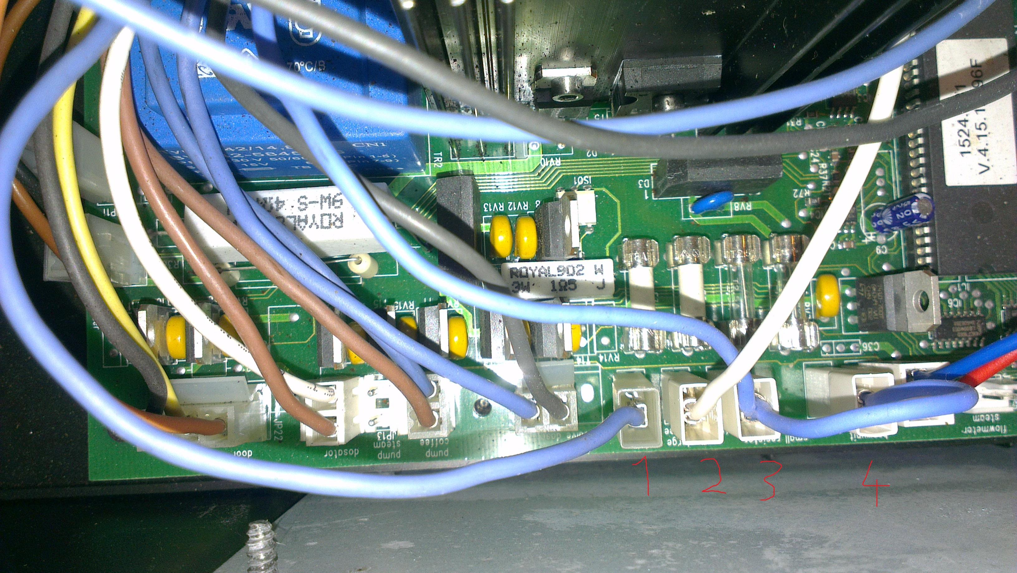 MIELE CVA 620-2 - Przegrzewa wod� i wybija termiki na bojlerze