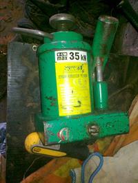 Wymiana oleju w podnośniku dp 3,5t