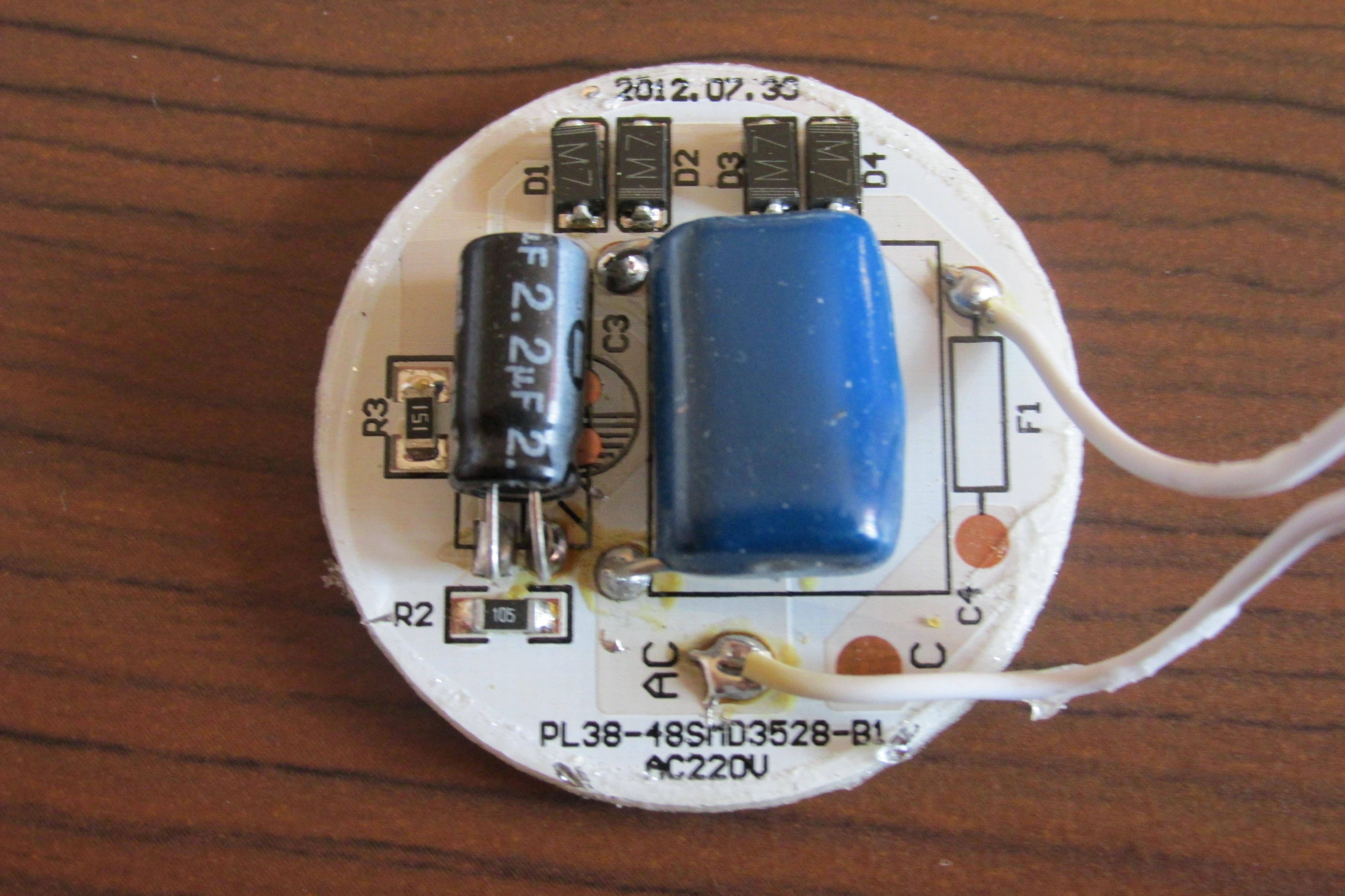 Stabilizator 230VAC do LED�w gdy� cz�sto ulegaj� uszkodzeniu.