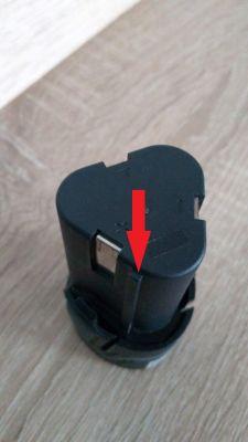 Jak przerobić ładowarke TH-CD 12-2Li aby ładowała baterie 12 V Einhell TE-CD 12