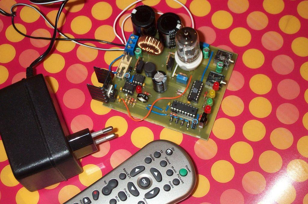 Mr. E.Z. - platforma rozwojowa dla lamp elektronowych