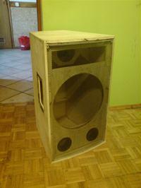 Budowa kolumn z głośnikiem basowym B&C 12PE32