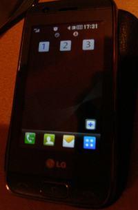 LG GT 505 jak wyłaczyć cyfry 1 2 3 z ekranu głównego