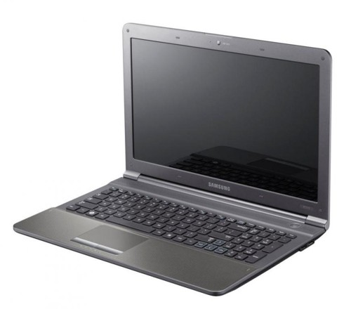 Samsung RC710 - P�kni�ta matryca - jak rozebra� laptopa