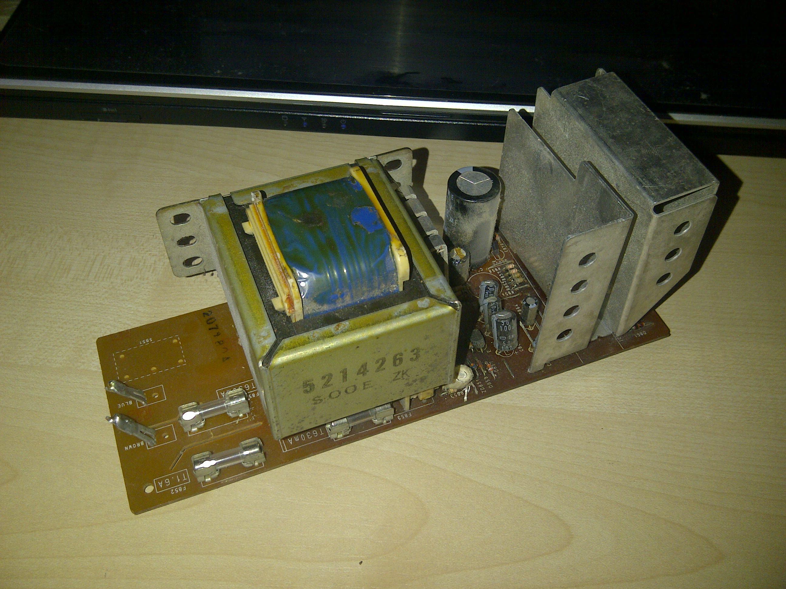 Magnetowid Hitachi - Identyfikacja zasilacza z magnetowidu Hitachi