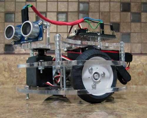Platforma robota z element�w wycinanych laserowo