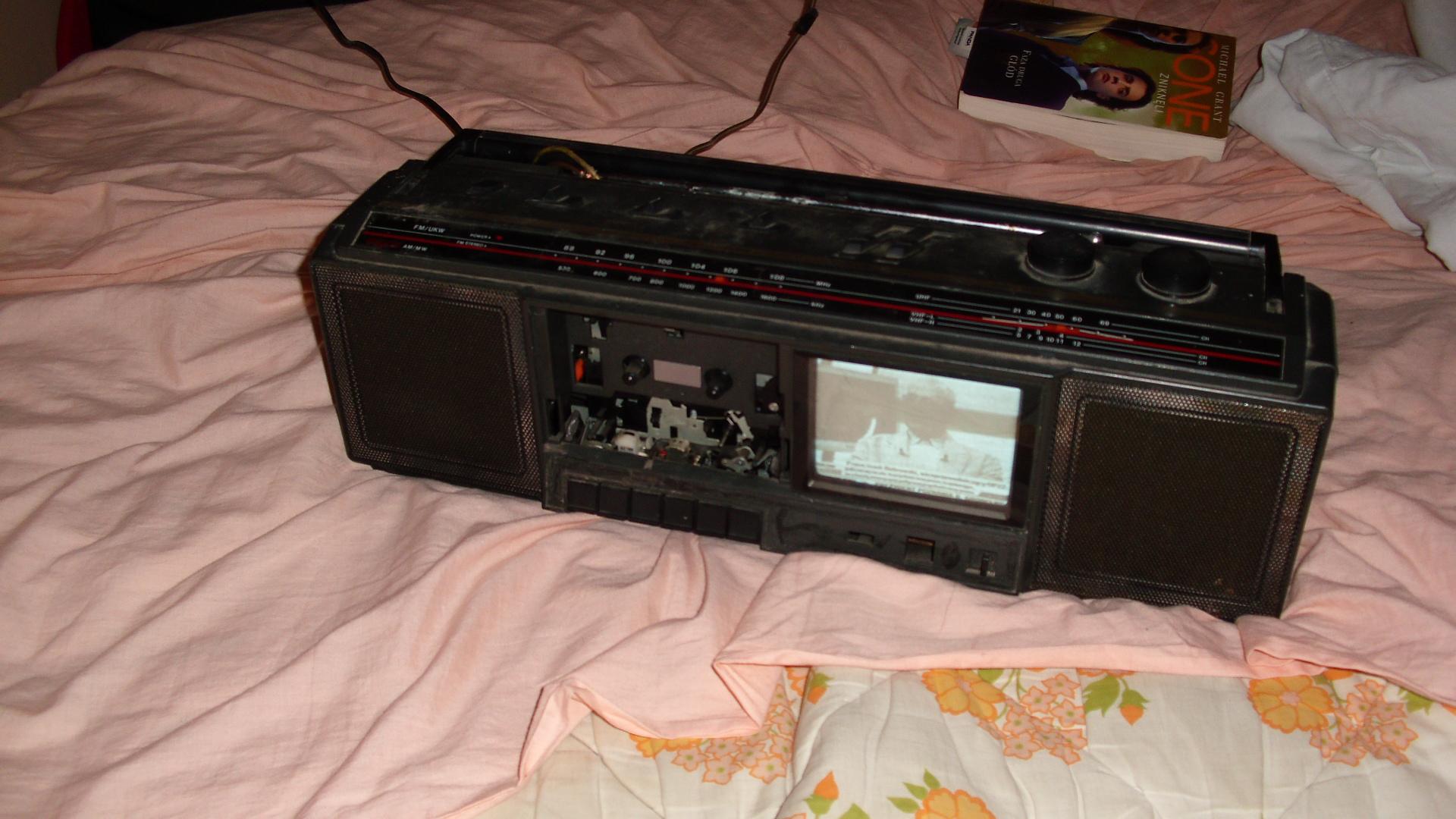 Radiomagnetofon ONWA STR/TV 3318 z��cze antenowe schemat lub jaki typ.