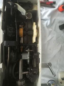 Maszyna do szycia Adler 531 - wymiana paska napędowego