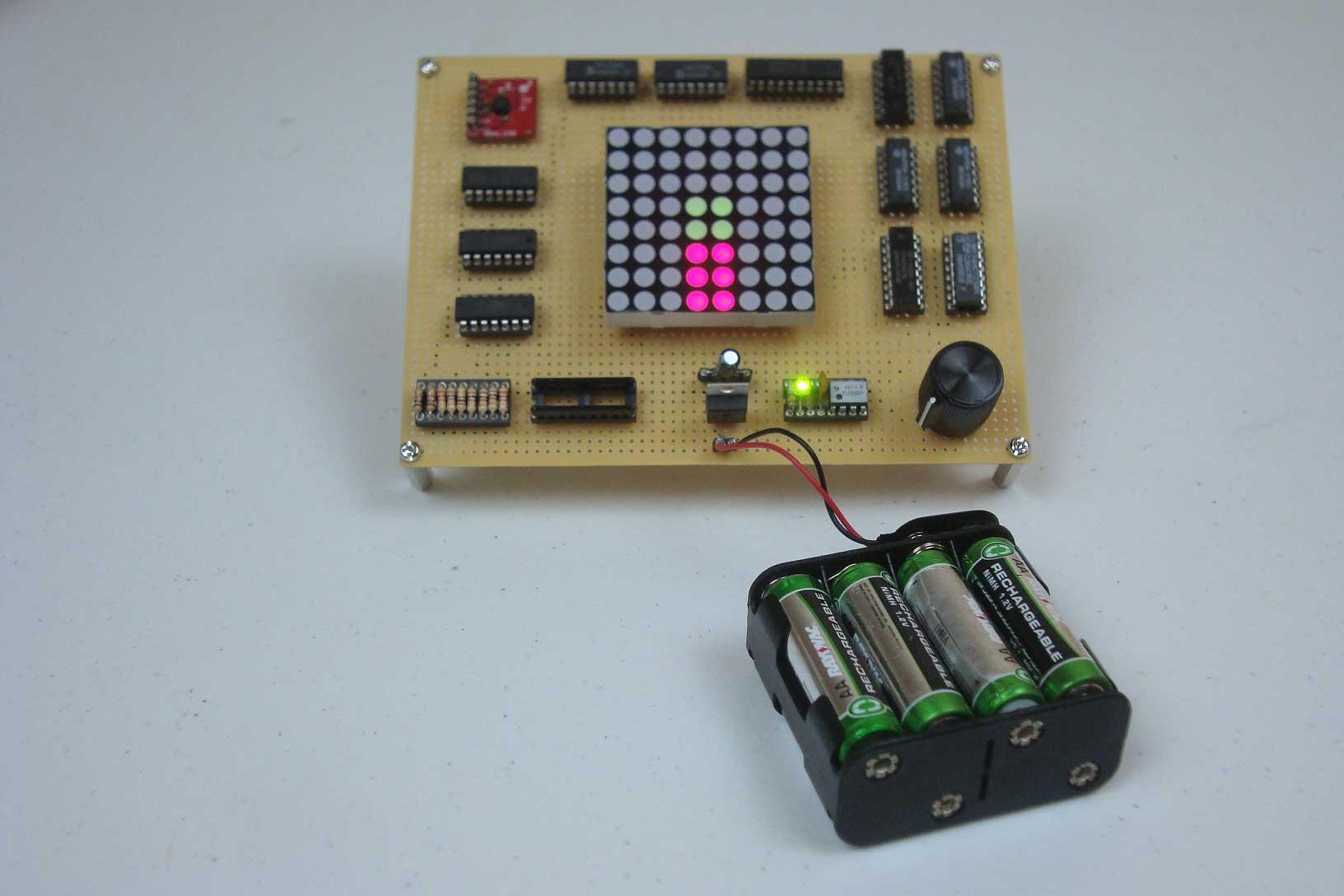 Wska�nik przechy�u z akcelerometrem i uk�adami 74xx