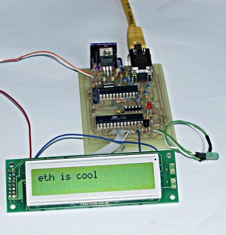 Wyświetlacz LCD sterowany przez internet