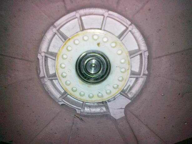 Pralka Electrolux EWT1316 - szoruj�cy b�ben