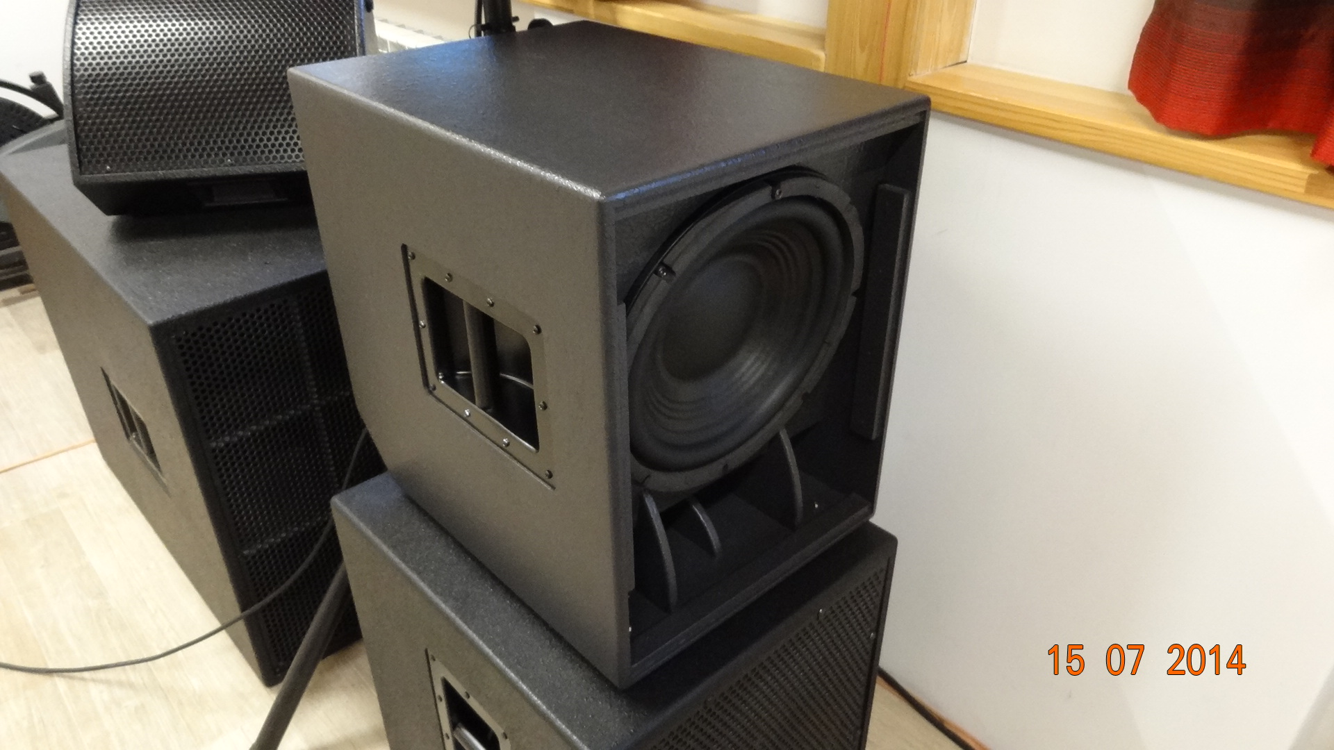 12elf czyli ma�y subwoofer extended low frequency