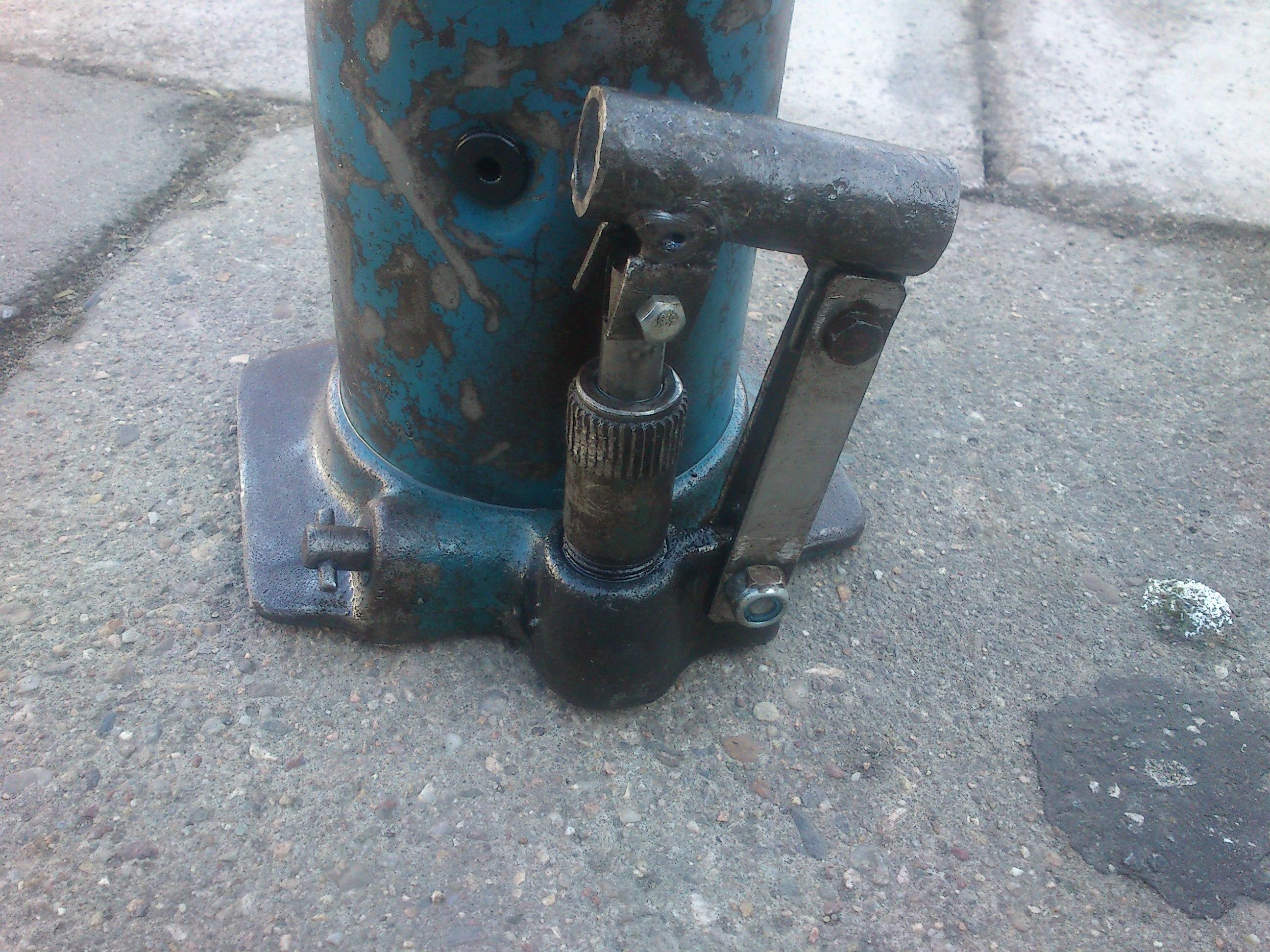 lewarek hydrauliczny nie trzyma