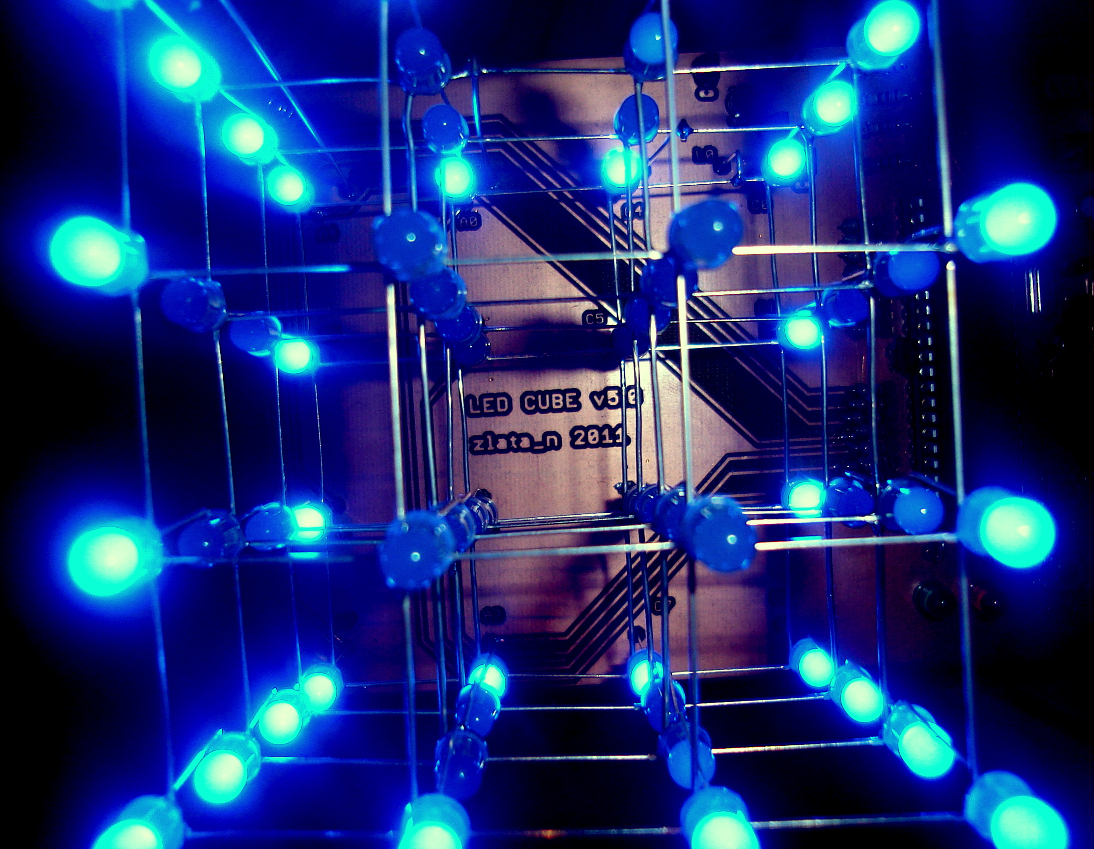 LED CUBE 4x4x4 [Atmega16/32][C]