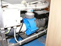 Wanna z hydromasażem - Pompa wodna nie włącza się i buczy