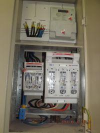 Dwa liczniki elektryczne jedna rozdzielnica. Jaki rozłącznik zastosować?