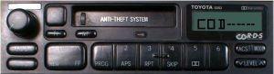 """Toyota, kaseciak, 13702 - brak kodu, na wy�wietlaczu """"HELP"""""""