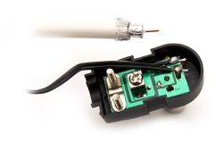 - Połączenie dwóch TV z jednej anteny - napięcie na kablu i zacinanie dekodera.