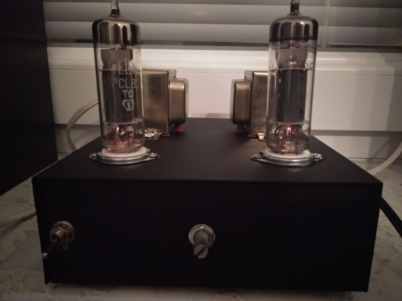Budget PCL82 stereo tube amplifier