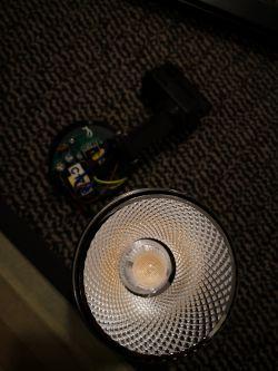 Jak zmniejszyć jasność Spot LED.