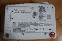 NEC NP200 - Jak zdemontować obudowę?