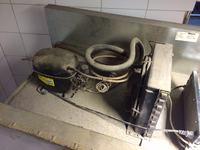 Gram BAKER F930CBH5A - Sprężarka pracuje,temperatura w komorze wzrasta.
