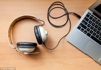 Specjalne oprogramowanie, które może podsłuchiwać Cię przez słuchawki PC