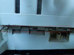 Whirlpool AWG 680 - zdejmowanie boku pralki