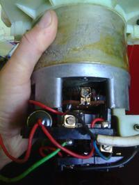 Sokowirówka sokowirówka PREDOM - Dym podczas pracy