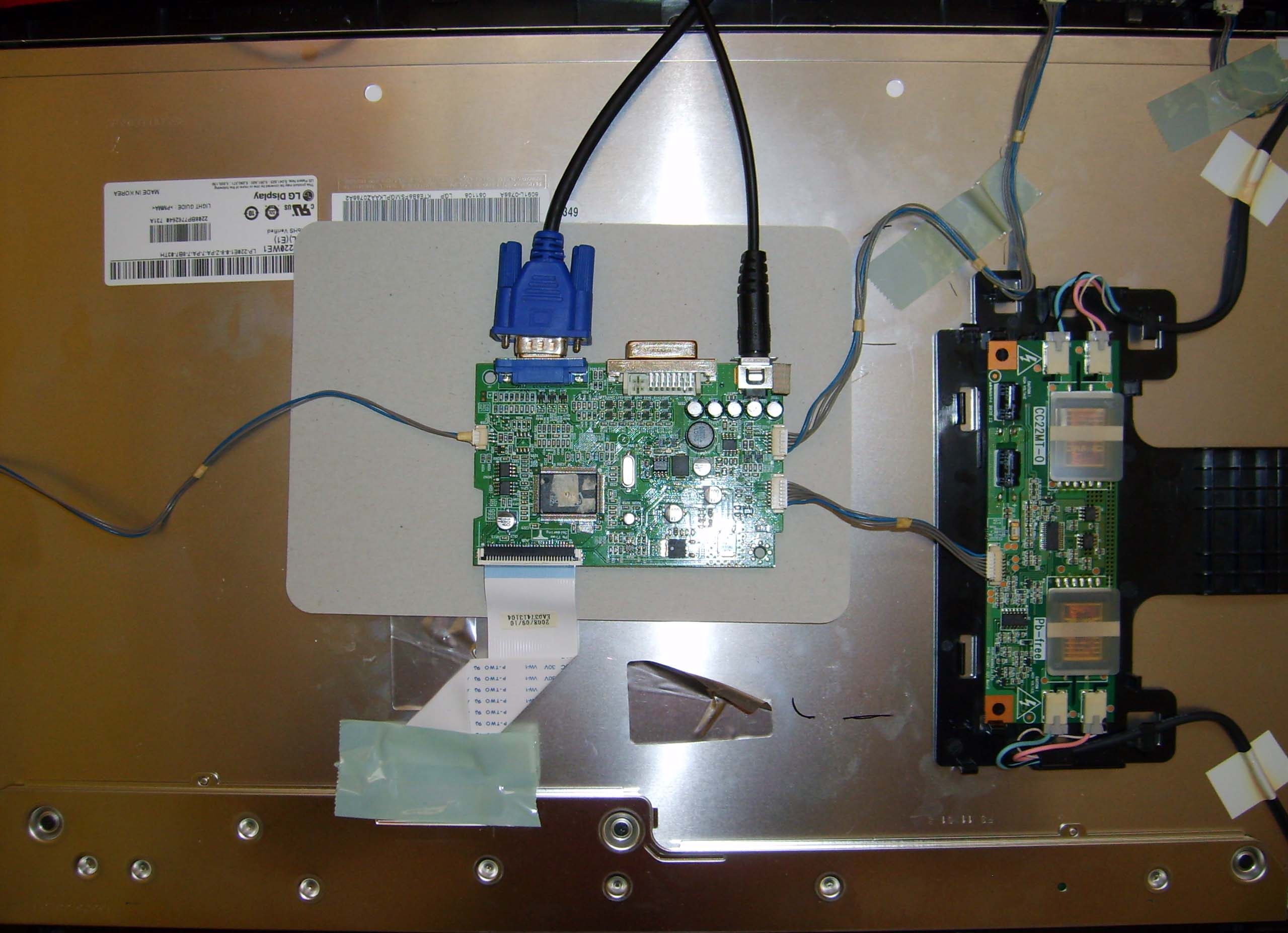 LCD, LG, W2284F, Miganie pod�wietlenia przez chwil� po w��czeniu