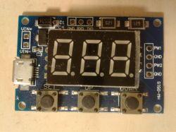 Opis dwukanałowego generatora sygnałów prostokątnych z wyświetlaczem LED