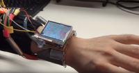 Prototypowy smartwatch sterowany ruchami nadgarstka