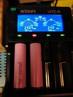 Jaka ładowarka baterii-kryteria-dobór-udany zakup.
