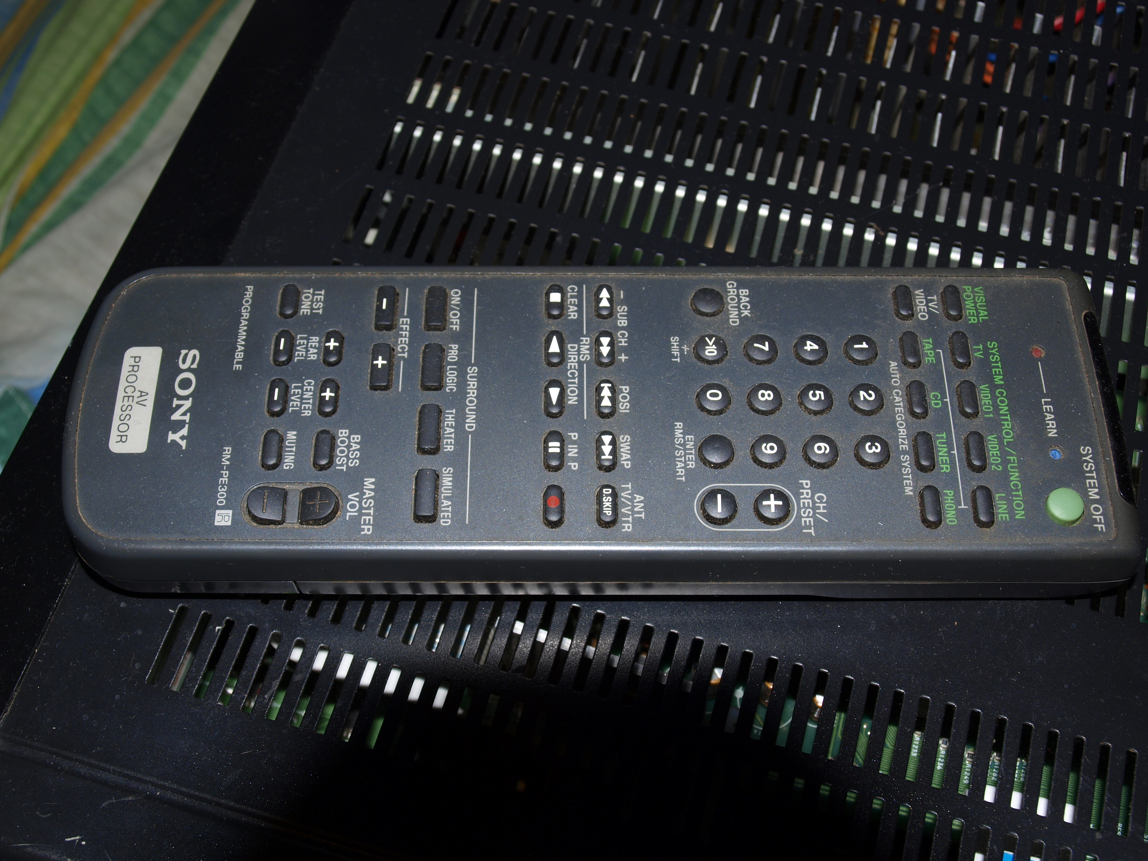 szukam instrukcji do pilota Sony RM-PE300