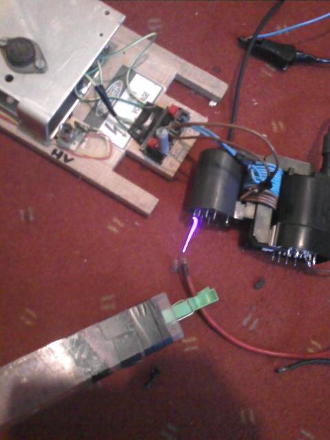 Lampa plazmowa - trafo od monitora