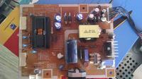 Samsung Syncmaster 943nw - Po uruchomieniu obraz �ciemnia si�.